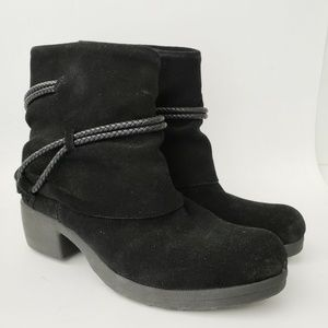 Crown Vintage Black Leather Ankle Boots 6 M